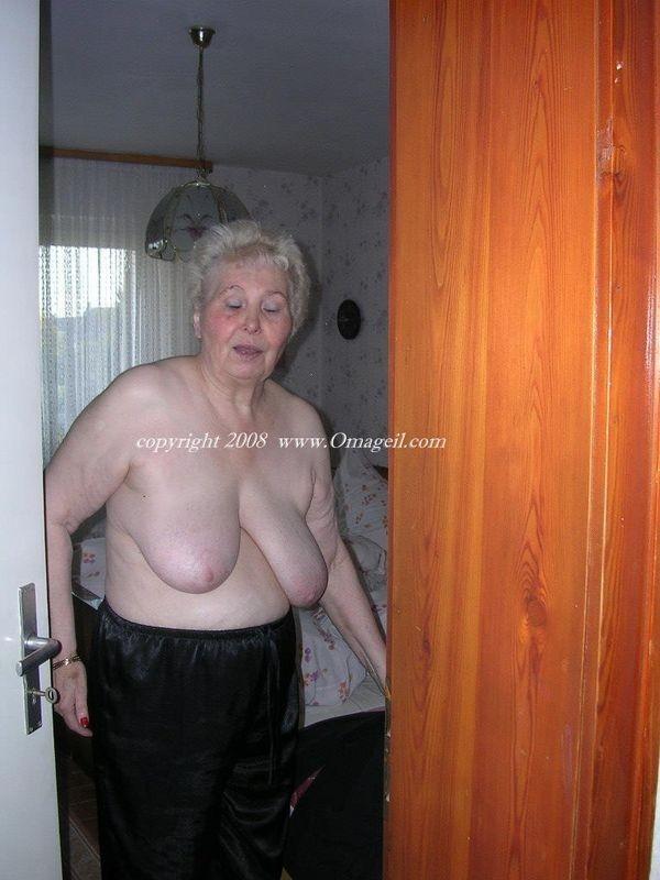 avarage looking chubby women blowjob porn – Pantyhose