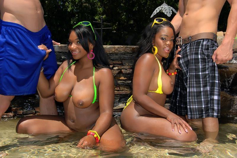 mixed girls twerking – Other