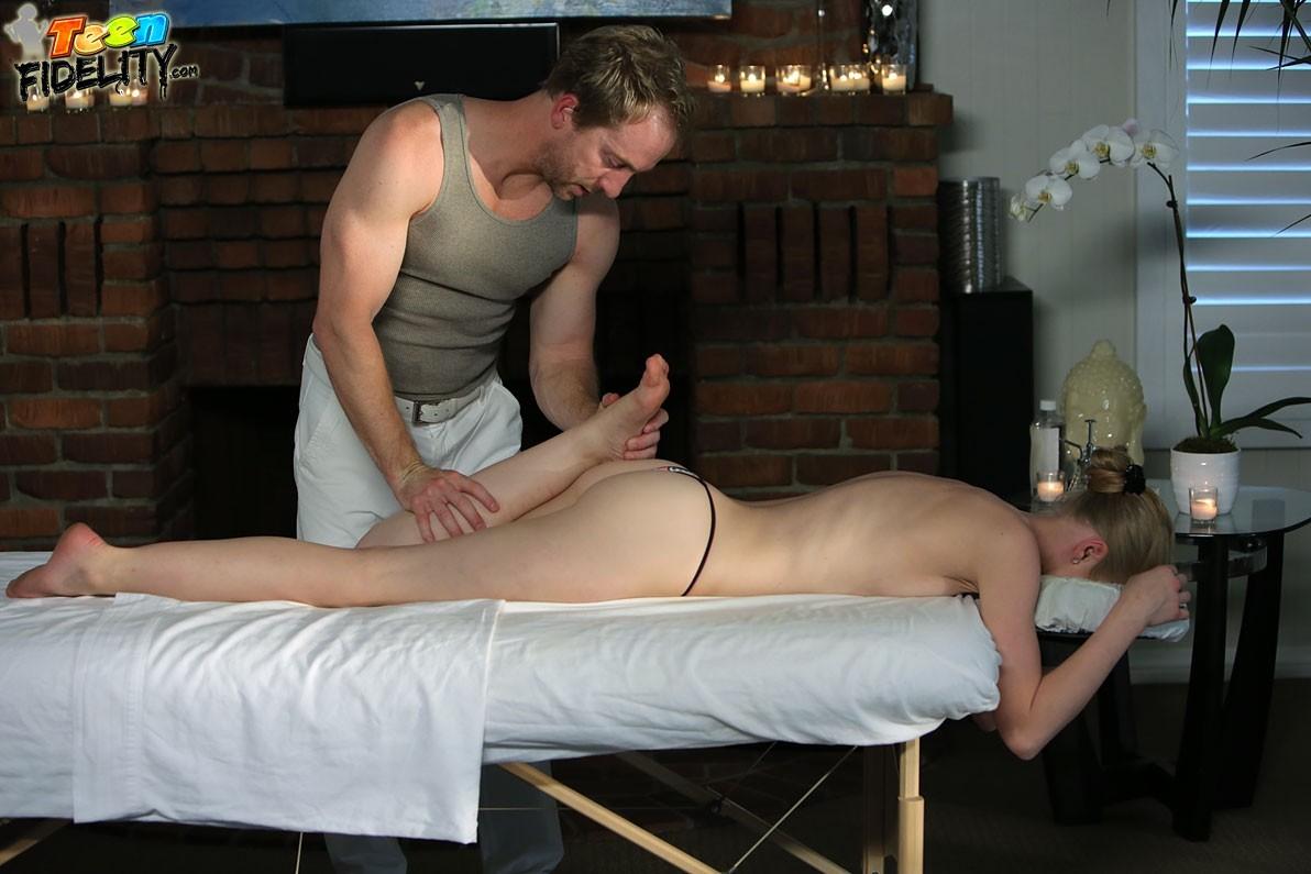 spandex large breasts amateur – Amateur