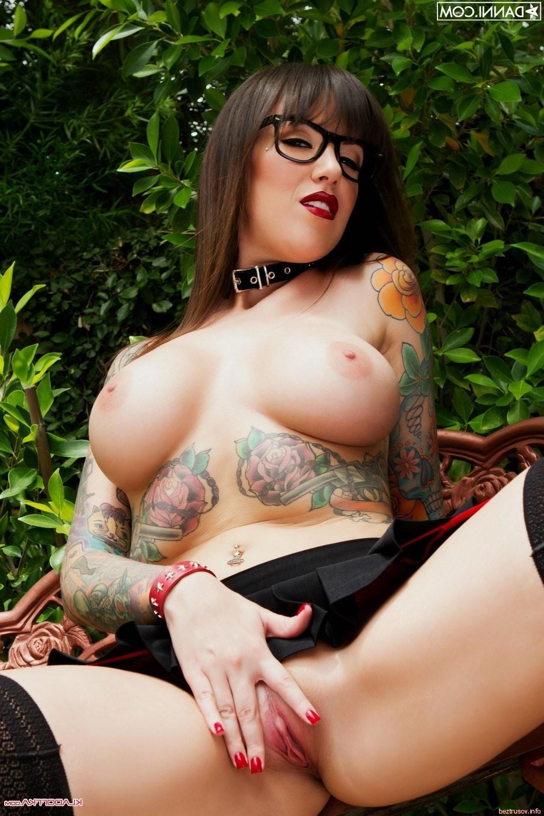 naked retarded women – Lesbian