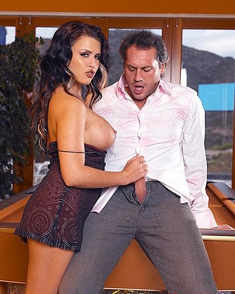 pain in between boobs – Erotic